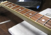 Bound Fret Board for classic hand comfort